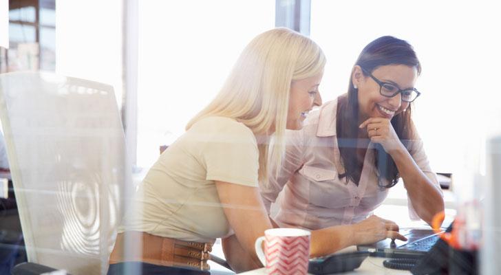 職場で好かれる仕事ができる女性