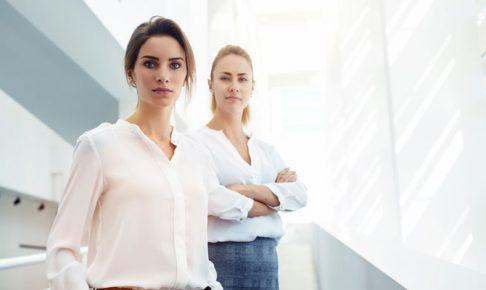 二人の女性