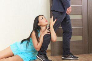 男の足を引っ張る女