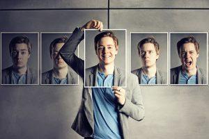 様々な表情の紙と男