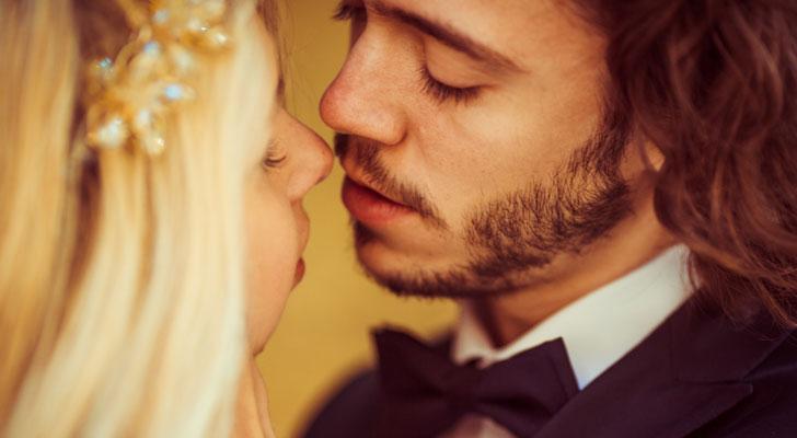 かわいいキス顔とブサイクキス顔