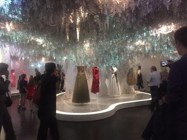 展示されたドレス
