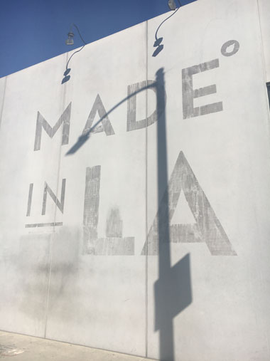 MADE IN LAの壁