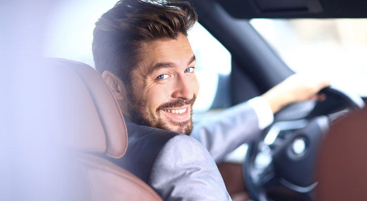 運転が荒い人
