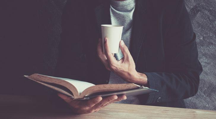 読書好きな男性の性格