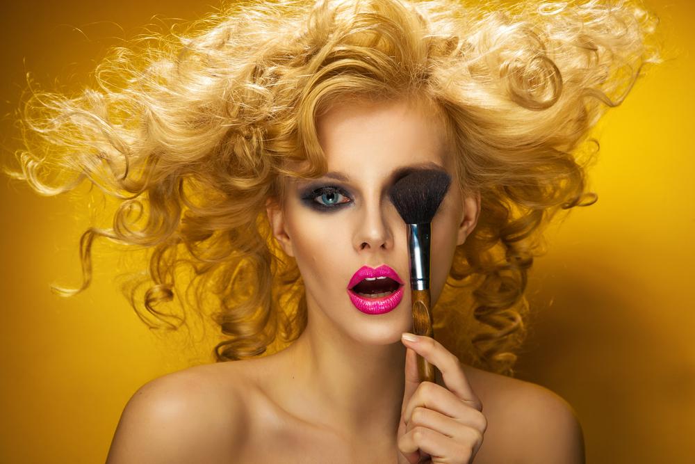 化粧品臭い女性