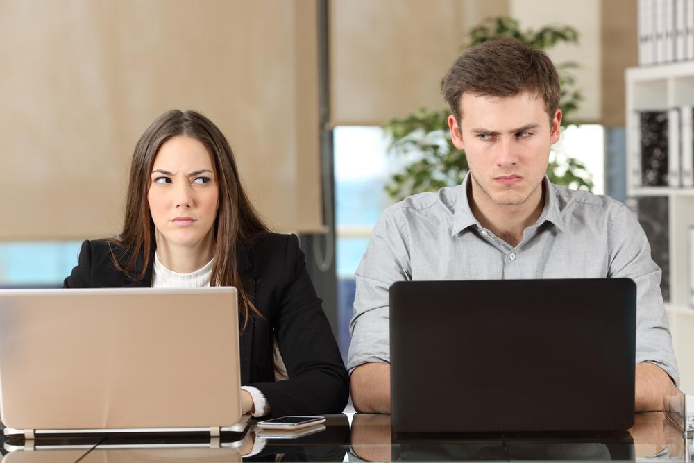 女性から嫌われる男性同僚