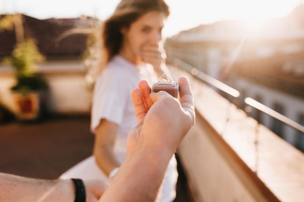 彼氏に結婚指輪をもらう夢を見た彼女