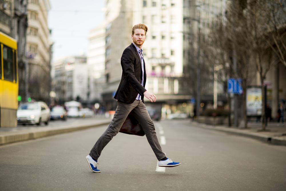 彼氏が街中を散歩している夢