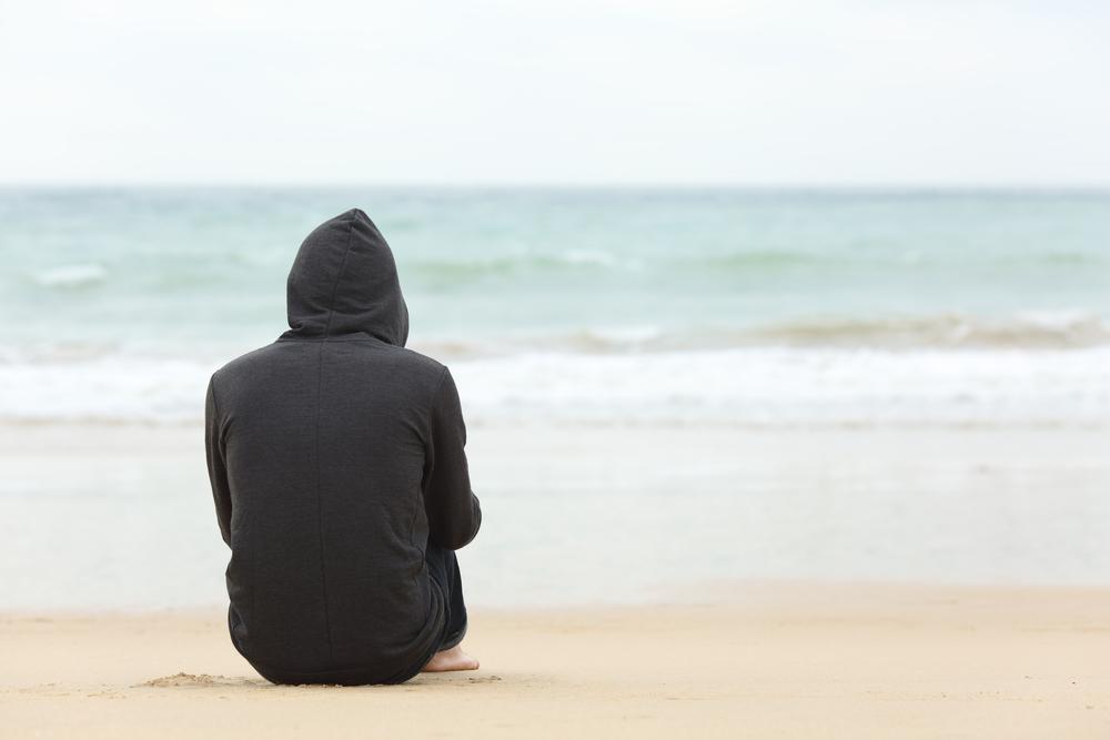 彼氏が海にいる夢