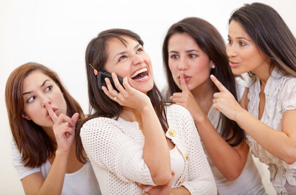 声が大きい女性の心理