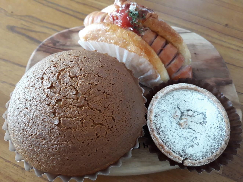 コーヒーボーン・ボードドッググリルソーセージ・チョコブラウニータルト